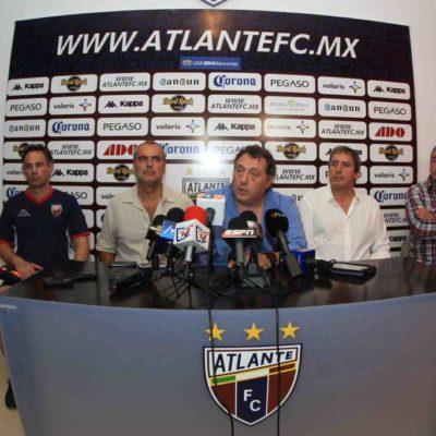 Presentan a Rubén Israel como el nuevo director técnico del Atlante