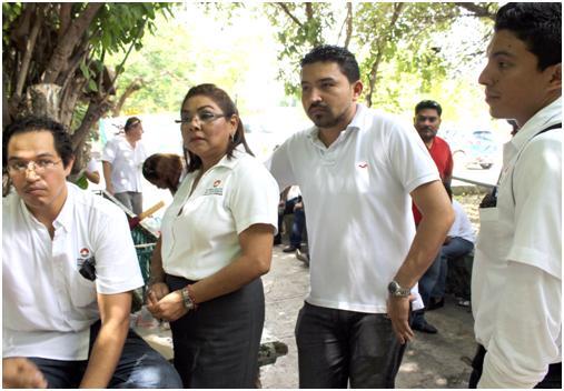 Se manifiestan empleados del Ayuntamiento de BJ en reclamo de pagos pendientes