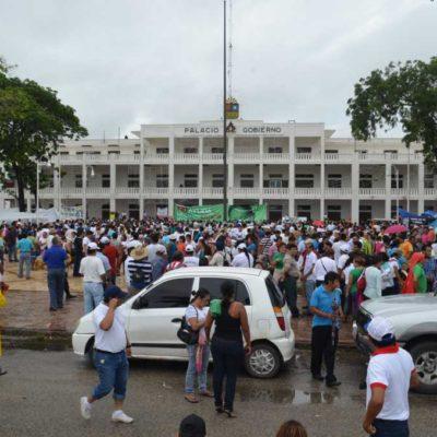 TREMENDAS MARCHAS DE MAESTROS: Miles de profesores y padres vuelven a protestar en Chetumal y Cancún contra la reforma educativa