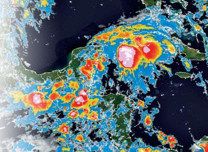 Podría convertirse en ciclón el sistema de baja presión que afecta a la Península de Yucatán