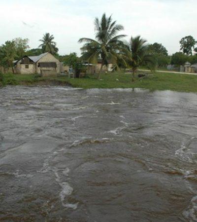 Escurrimientos de agua incomunican a más de 20 comunidades al sur de QR