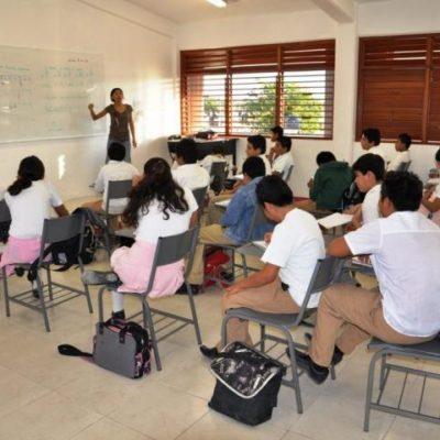 Inician clases con malestar de maestros por descuentos; se les reintegrará salario, aseguran