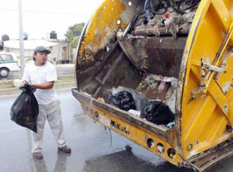 Asegura Alcalde regularización del servicio de basura en Cancún en las próximas horas