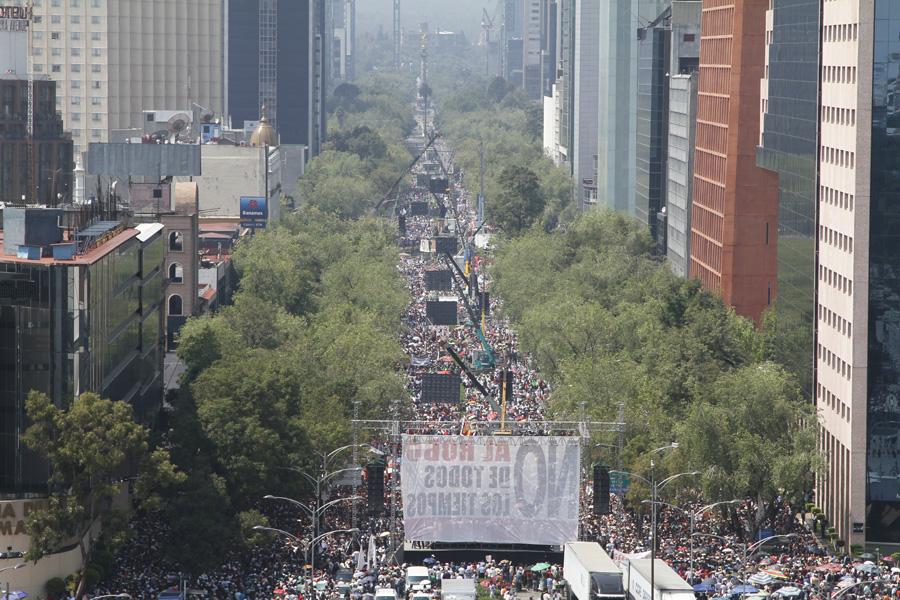 06-octubre-2013.-AMLO-Ciudad-de-México