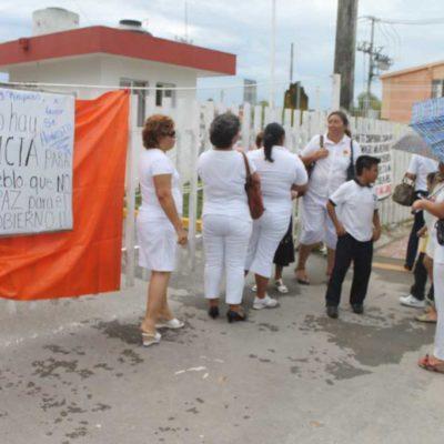 REINICIAN PROTESTA MAGISTERIAL: Toman maestros oficinas de la SEyC en Chetumal y amagan con nuevo paro de labores; denuncian incumplimiento de acuerdos de Borge y acusan a Sara Latife por cerrar diálogo