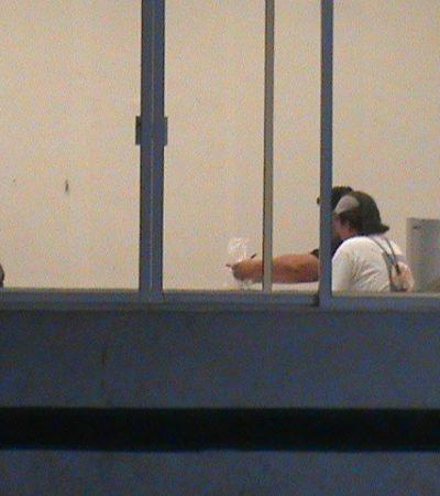 ATACAN RADIOS DE EX ALCALDE: Lanzan encapuchados bombas molotov a 2 estaciones de radio de Sebastián Uc Yam en Felipe Carrillo Puerto; ofrece Borge 'investigación a fondo'