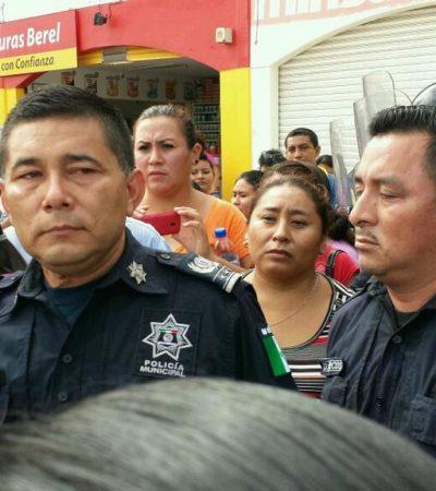 ESTALLA REPRESIÓN CONTRA MAESTROS: Policías en Playa intentan desbaratar plantón en oficinas de la SEyC; jefe policiaco es 'tomado' como 'rehén'