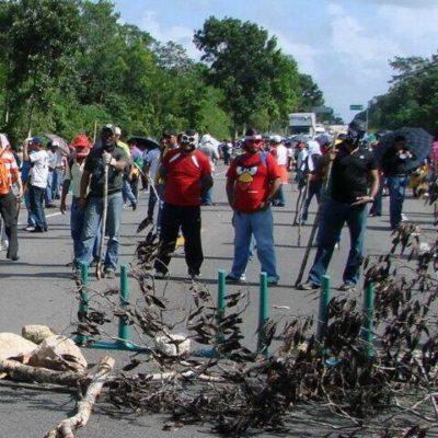 Mantienen maestros en FCP amago de nuevos bloqueos carreteros