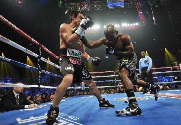 QUIEBRAN SUEÑO DE MÁRQUEZ: Cae el mexicano ante Bradley en su intento de ganar su quinto título de boxeo
