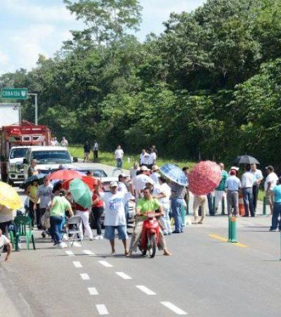 MAESTROS NO DAN TREGUA: Pese a promesa de reanudar el diálogo, profesores se mantienen en pie de lucha y bloquean carreteras