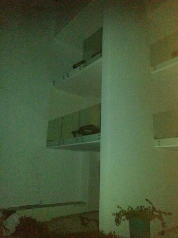 TRAGEDIA EN AKUMAL: Caen turistas canadienses al ceder un balcón de cristal en el hotel Oasis; muere mujer y hay 2 heridos