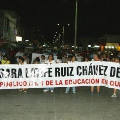 SACUDE MAGISTERIO A PLAYA: Marchan más de 5 mil maestros y padres hasta por la Quinta Avenida para repudiar a Sara Latife y rechazar represión y reforma educativa