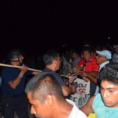 IRRITACIÓN EN NICOLÁS BRAVO: Responsabilizan a Bibiano Villa de la violencia contra pobladores al desbloquear carretera
