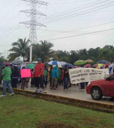 Realizan maestros doble bloqueo en Playa del Carmen