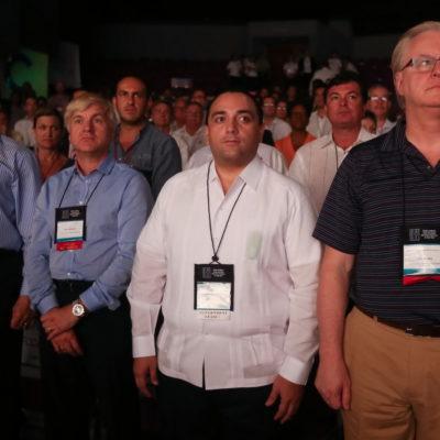 Se va Borge a Colombia a una convención de cruceristas