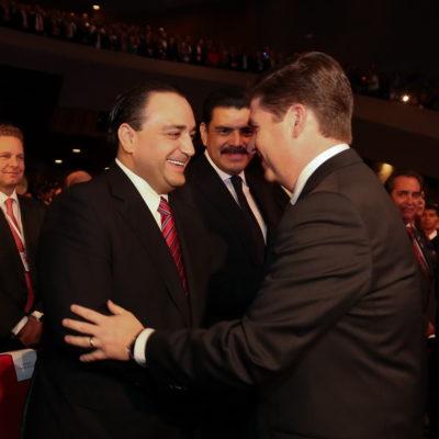 Y en plena emergencia magisterial, Borge se va a Monterrey a escuchar un informe de Gobierno