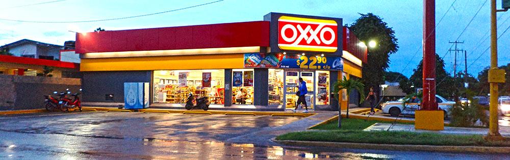 """EL 'OSCURO' NEGOCIO DE LOS OXXOS: Proliferación de estos negocios levanta sospechas de empresarios y advierten: """"se está acabando con la economía de Chetumal"""""""