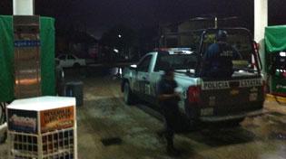 Con machetes y una pata de cabra, atracan gasolinera en Chetumal