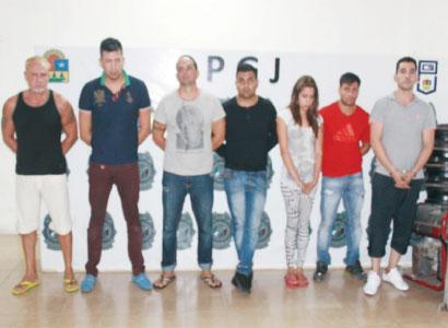 Capturan a banda de 'clonadores' cubanos y mexicanos en Cancún