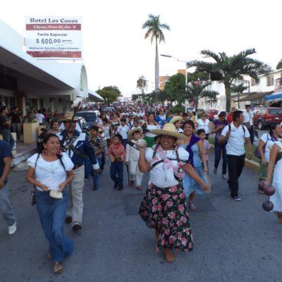 SE 'REVOLUCIONAN' LOS MAESTROS: Ante la cancelación del desfile, organizan marchas en Cancún, Playa y Chetumal para festejar el 20 de Noviembre
