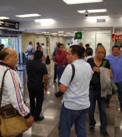 Malestar de decenas de pasajeros varados por suspensión de vuelos de Interjet en Chetumal por los baches en la pista aérea
