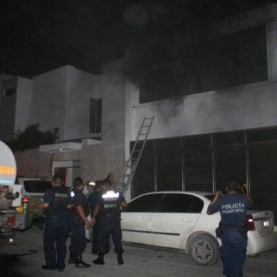 Rescatan a una familia de incendio de vivienda en Chetumal