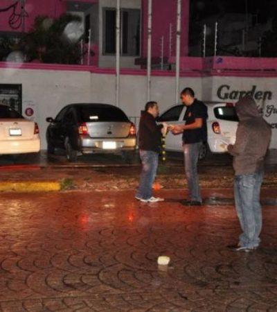 Balean auto de subdelegado del INM en Cancún