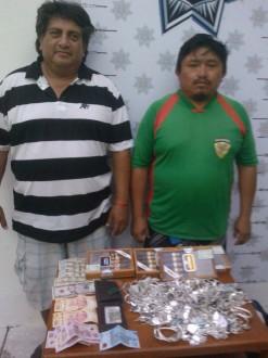 Por vender artesanías frente a un hotel, detiene la policía a indígena maya