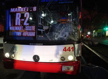 Muere turista inglesa atropellada por un Autocar en la Zona Hotelera de Cancún