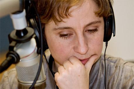 ADVIERTEN 'JUEGO SUCIO' DE 'BOTS': Llama Carmen Aristegui a no permitir financiamento público para trastocar redes sociales; en entrevista al editor de Noticaribe, acusa estrategia oficial para denostar a periodistas, críticos y opositores