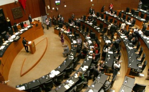 Pretenden legisladores eliminar subsidios a gasolina y electricidad con la reforma energética
