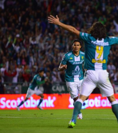 GANA SLIM PULSADA A AZGÁRRAGA: Vence León 2-0 al América en el partido de ida de la final del futbol mexicano
