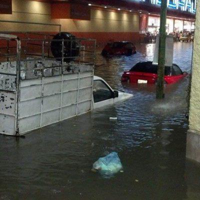 COLAPSA VILLAHERMOSA POR LLUVIAS: Provoca frente frío lluvias que inundan amplias zonas de la capital de Tabasco