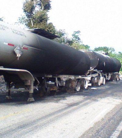 Se incendia tractocamión en la carretera en Bacalar