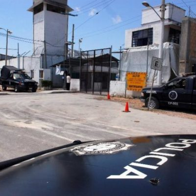 Apuñalan a un reo de 61 años durante riña entre internos en la cárcel de Cancún