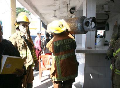 SUSTO EN EL MERCADO DE CHETUMAL: Revienta tanque de gas sin provocar heridos