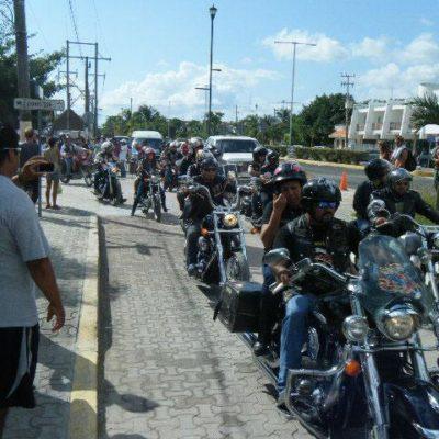 Rodando sus moles de fierro, llegaron a Tulum cientos de motociclistas para el 'Moto Pachangón' y atiborraron hoteles
