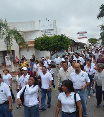 Marcha dominical de maestros en Chetumal contra la reforma educativa