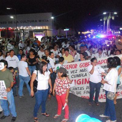 REACTIVAN MOVILIZACIÓN MAGISTERIAL: Marchan maestros en Cancún y en Chetumal para exigir 'junta de reacomodos' y llaman a no pagar predial al Gobierno de Paul Carrillo