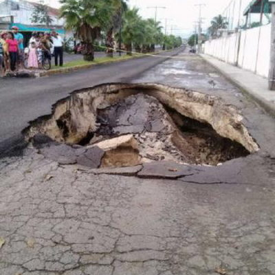 SE ABRE LA TIERRA EN COZUMEL: Alarma por hundimiento de la Avenida Xel-Há por desplome de caverna