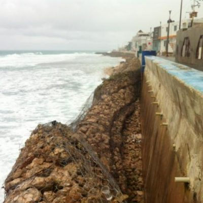 Oleaje causa daños en muro de contención en Isla Mujeres