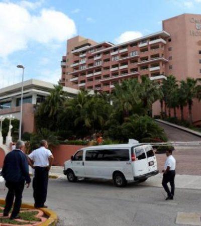 OTRA DE TAXISTAS: Pelean por el pasaje en plena Zona Hotelera de Cancún