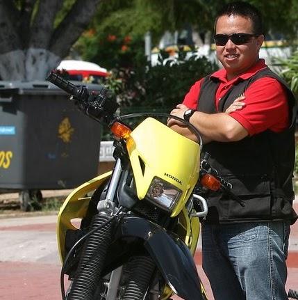 ATROPELLAN A REPORTERO CRÍTICO EN CANCÚN: Embiste Chevy a Javier Vite y se da la fuga; no llega Tránsito y tratan de ocultar su traslado al hospital