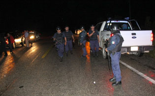 Iban por un violador, pero policías judiciales terminaron encerrados en una comunidad de FCP