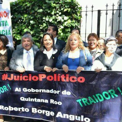 Protestan diputados perredistas en la representación del Gobierno de QR en el DF, pero bancada del PRI frena juicio político contra Roberto Borge