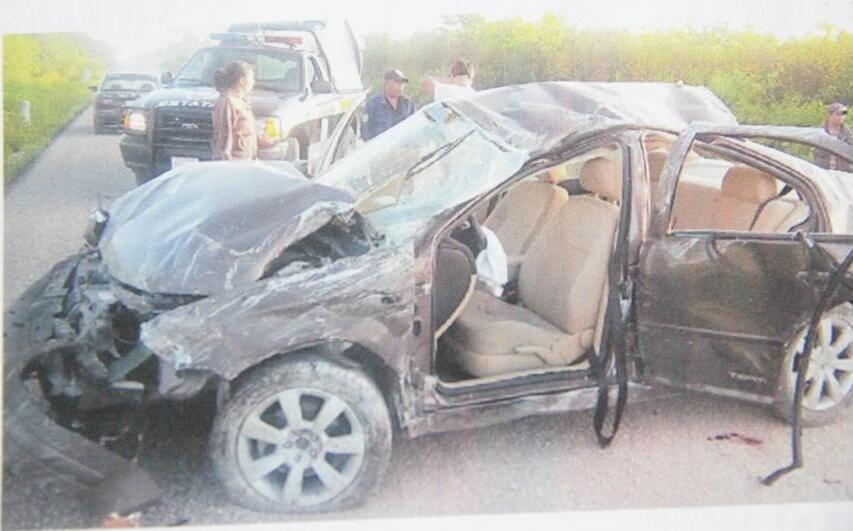 Un profesor muerto y 2 heridos graves deja accidente carretero en Dziuché