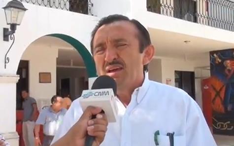 Se presenta ex Alcalde de JMM ante Contraloría para responder a supuestos desvíos; se está actuando con dolo, acusa Domingo Flota