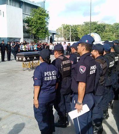 Rinden homenaje a policía asesinado al sur de QR