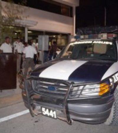 ACRIBILLAN A EX POLICÍA EN CANCÚN: A balazos, intentan ejecutar en la Región 100 a ex agente vinculado al narco