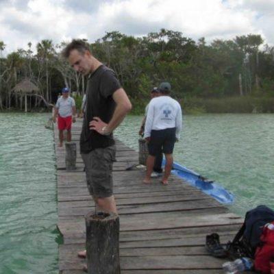 En el cuarto día de búsqueda, hallan cuerpo de turista español atrapado en el fondo de laguna